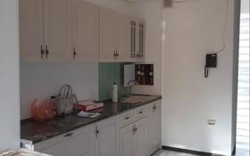 4-комнатная квартира, 97 м², 1/5 этаж помесячно, 14-й мкр 3 за 200 000 〒 в Актау, 14-й мкр
