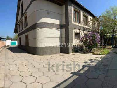 10-комнатный дом, 220 м², 10 сот., Абилкаирова 9 за 47 млн 〒 в Таразе