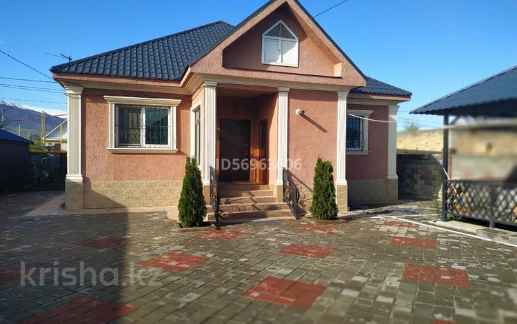 4-комнатный дом, 120 м², 8 сот., Акбулак за ~ 24.9 млн 〒 в в селе Шамалган