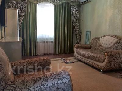 2-комнатная квартира, 65 м², 3/4 этаж посуточно, Гани Иляева 66 — Казыбек Би за 10 000 〒 в Шымкенте, Аль-Фарабийский р-н — фото 2