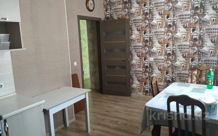 2-комнатная квартира, 45 м², 5/5 этаж помесячно, Желтоксан 17 за 120 000 〒 в Нур-Султане (Астана), Алматы р-н