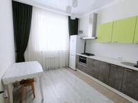1-комнатная квартира, 60 м², 6/10 этаж посуточно, Алии Молдагуловой 30б за 10 000 〒 в Актобе