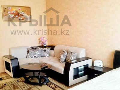 1-комнатная квартира, 38 м², 4/5 этаж посуточно, Мынбулак 33 за 5 500 〒 в Таразе