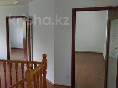 4-комнатный дом помесячно, 125 м², 8 сот., Жазылбек 12 — Саина за 200 000 〒 в Алматы, Алмалинский р-н — фото 3