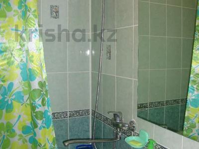 2-комнатная квартира, 55 м², 1/5 этаж посуточно, Байтурсынова 37 за 7 500 〒 в Семее — фото 9