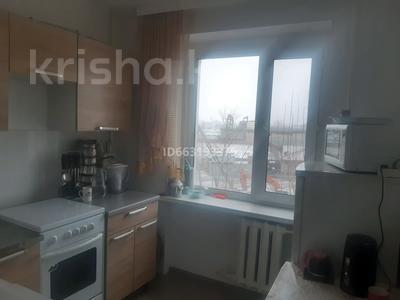 3-комнатная квартира, 60 м², 4/6 этаж, проспект Республики 78 — Есенберлина за 15.5 млн 〒 в Нур-Султане (Астана), Сарыарка р-н