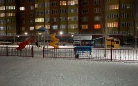 1-комнатная квартира, 57 м², 3/7 этаж посуточно, Пр-т Санкибай батыра 72К за 7 000 〒 в Актобе, мкр. Батыс-2