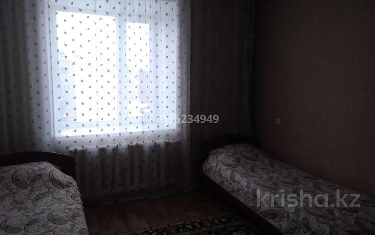 3-комнатная квартира, 56 м², 3/5 этаж посуточно, Щучинский, Приозёрная 6 за 10 000 〒 в Акмолинской обл., Щучинский