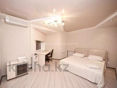 3-комнатная квартира, 120 м², 4/14 этаж помесячно, Навои 72 за 279 000 〒 в Алматы, Бостандыкский р-н