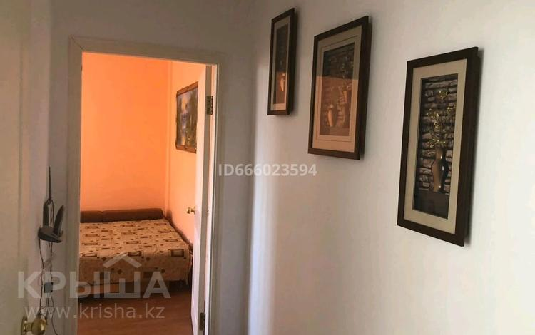 2-комнатная квартира, 60 м², 3/5 этаж на длительный срок, улица Георгия Канцева 11 за 150 000 〒 в Атырау