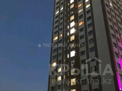 1-комнатная квартира, 40 м², 4/24 этаж, Кайыма Мухамедханова 15 за 13.6 млн 〒 в Нур-Султане (Астана), Есиль р-н