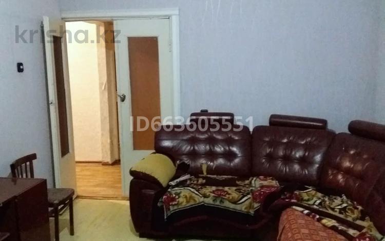 2-комнатная квартира, 60 м², 2/5 этаж, 10 микраион 43 за 10.5 млн 〒 в Таразе