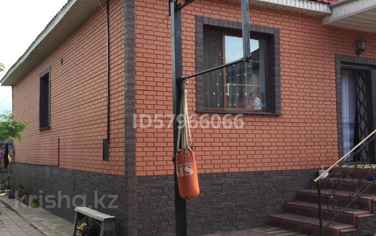 5-комнатный дом, 120 м², 5 сот., мкр Айгерим-2 за 55 млн 〒 в Алматы, Алатауский р-н