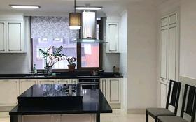 4-комнатная квартира, 175 м², 7/25 этаж, Кошкарбаева 8 за 89.9 млн 〒 в Нур-Султане (Астана), Алматы р-н