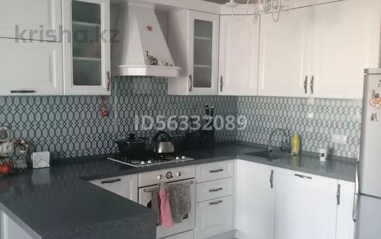 3-комнатная квартира, 100 м², 9/9 этаж, мкр Кадыра Мырза-Али за 35 млн 〒 в Уральске, мкр Кадыра Мырза-Али