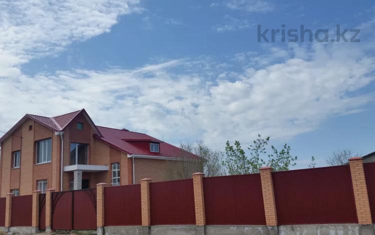 7-комнатный дом, 385 м², 20 сот., Кунгей 1 за 49.9 млн 〒 в Караганде, Казыбек би р-н