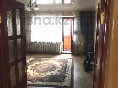 3-комнатная квартира, 105 м², 3/5 этаж помесячно, Бигельдинова 11 — проспект Женис за 150 000 〒 в Нур-Султане (Астана), р-н Байконур — фото 7
