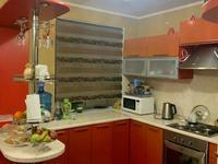 3-комнатная квартира, 100 м², 3/3 этаж, улица Абая 49б — Абая угол Сейфуллина за 35 млн 〒 в Жезказгане