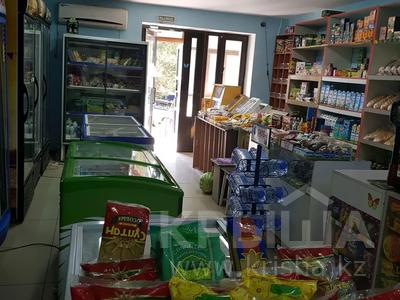 Магазин площадью 100 м², Пр.Молдагуловой 11а за 200 000 〒 в Актобе, мкр 5 — фото 2