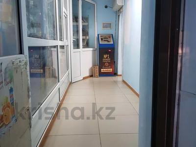 Магазин площадью 100 м², Пр.Молдагуловой 11а за 200 000 〒 в Актобе, мкр 5 — фото 3