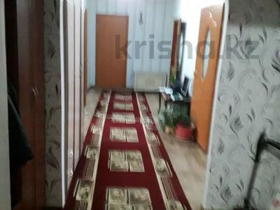 4-комнатный дом, 100000 м², 10 сот., Восточный 57 — Ақтерек за 17.9 млн 〒 в Талдыкоргане — фото 3