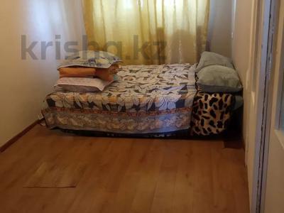2-комнатная квартира, 40 м², 4/4 этаж по часам, 6 11 за 800 〒 в Актау — фото 2