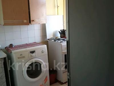2-комнатная квартира, 40 м², 4/4 этаж по часам, 6 11 за 800 〒 в Актау — фото 4