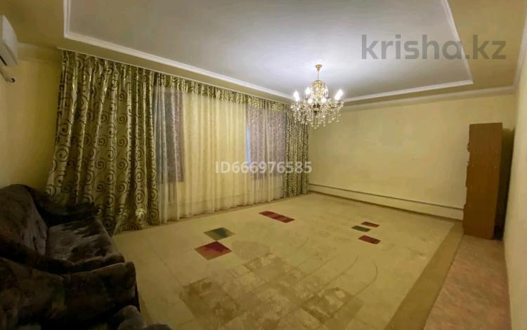 9-комнатный дом, 300 м², Абыла Отембетулы 22 за 20 млн 〒 в Жанаозен