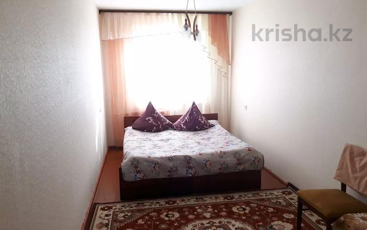 2-комнатная квартира, 50 м², 1/5 этаж посуточно, Кердери 172/1 за 8 000 〒 в Уральске