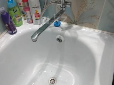 2-комнатная квартира, 50 м², 2/5 этаж, 5 мкр за 15 млн 〒 в Алматинской обл. — фото 24