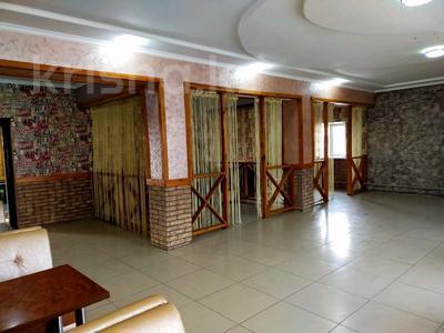 Здание, площадью 500 м², улица Казиева 73 — улица Анар Аже за 46 млн 〒 в Шымкенте, Аль-Фарабийский р-н