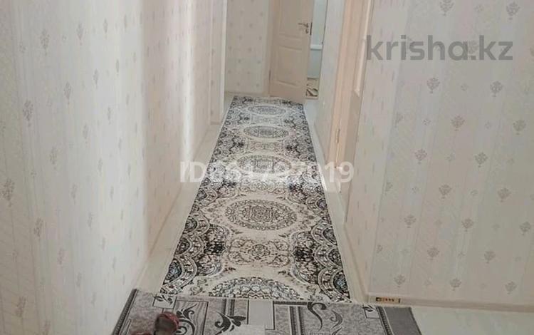 2-комнатная квартира, 69 м², 2/9 этаж, мкр Кайтпас 2, Тулеметова 197 за 21 млн 〒 в Шымкенте, Каратауский р-н
