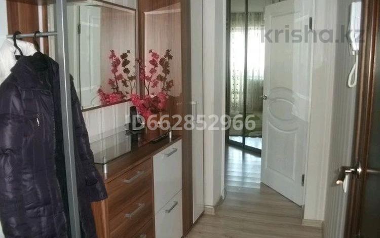 2-комнатная квартира, 100 м², 1/5 этаж посуточно, Санкибай-батыра 28 б — Молдагуловой за 9 016 〒 в Актобе, мкр. Батыс-2