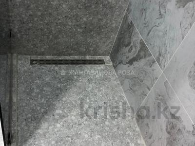 2-комнатная квартира, 69 м², 4/21 этаж, Снегина за 48.9 млн 〒 в Алматы, Медеуский р-н — фото 17