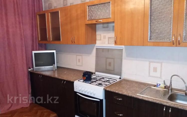 2-комнатная квартира, 58 м², 9/9 этаж, мкр Аксай-2, Саина 15 — Толе би за 21.5 млн 〒 в Алматы, Ауэзовский р-н