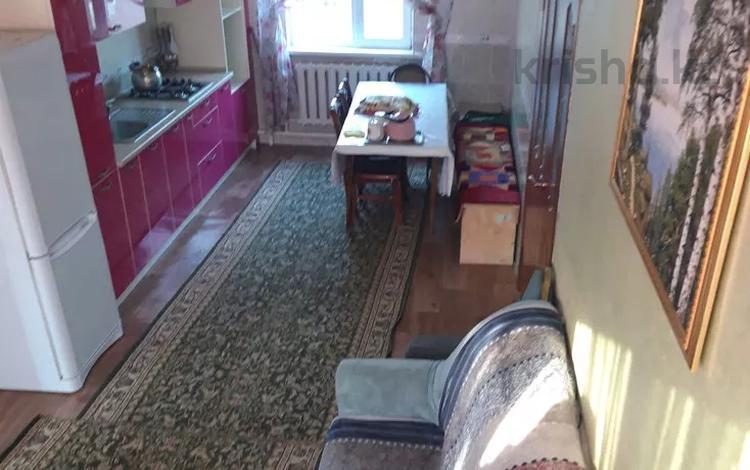 4-комнатный дом, 196 м², 8 сот., мкр Акбулак, Сулейменова 76 за 42 млн 〒 в Алматы, Алатауский р-н