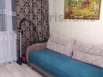 1-комнатная квартира, 36 м², 2/5 этаж посуточно, мкр Новый Город за 8 000 〒 в Караганде, Казыбек би р-н