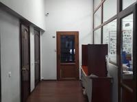 Здание, площадью 647 м²
