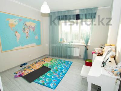 4-комнатная квартира, 100 м², 2/18 этаж, Навои — Торайгырова за 50 млн 〒 в Алматы, Бостандыкский р-н — фото 8