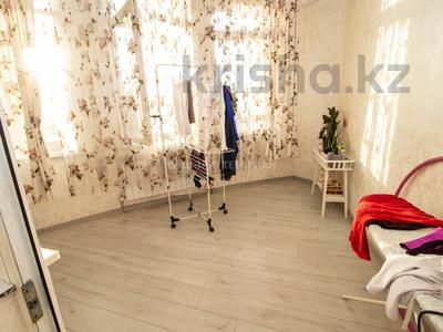 4-комнатная квартира, 100 м², 2/18 этаж, Навои — Торайгырова за 50 млн 〒 в Алматы, Бостандыкский р-н — фото 11