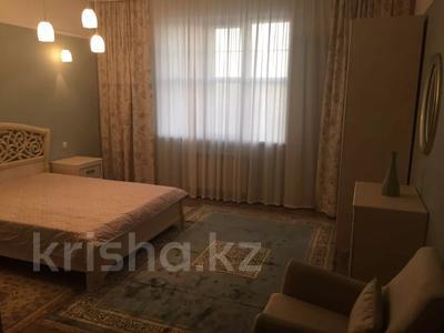 2-комнатная квартира, 70 м², 3/10 этаж помесячно, Ханов Керея и Жанибека 12/1 — Сауран за 120 000 〒 в Нур-Султане (Астана), Есильский р-н — фото 3
