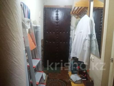 1-комнатная квартира, 30 м², 3/5 этаж, Карасай батыра 16 за 10.5 млн 〒 в Нур-Султане (Астане), Сарыарка р-н