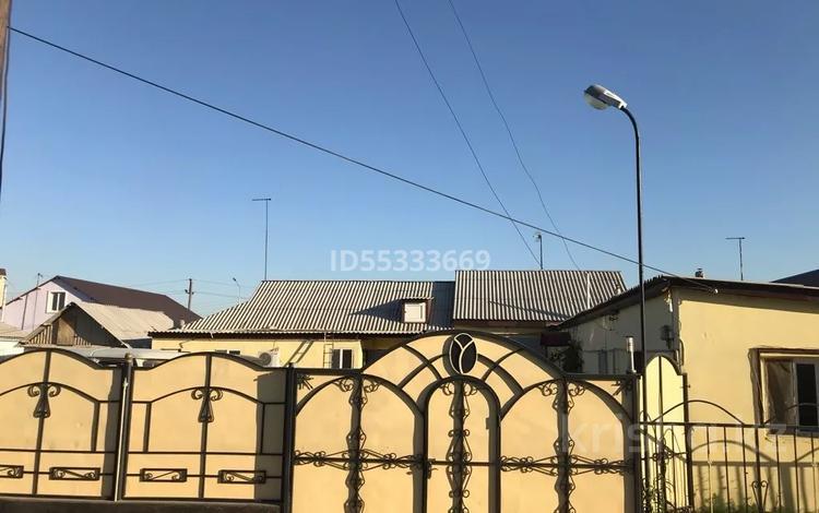 3-комнатный дом, 450 м², 5 сот., мкр. Алмагуль за 19.9 млн 〒 в Атырау, мкр. Алмагуль