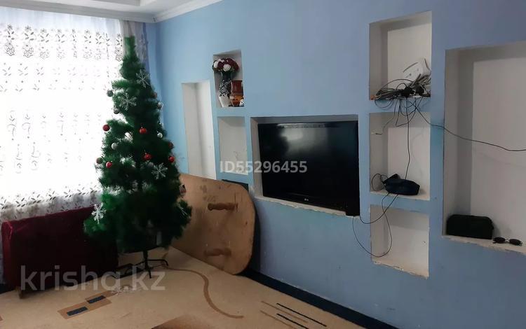 4-комнатная квартира, 74 м², 1/5 этаж, улица Бокейхана 66 б — Женис за 9 млн 〒 в