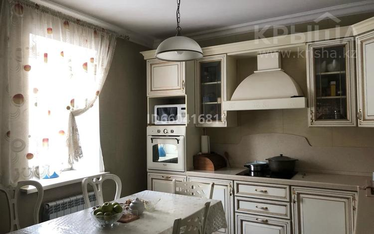 6-комнатный дом помесячно, 300 м², 10 сот., Мойынты 37 — Талгар за 500 000 〒 в Нур-Султане (Астана), Алматы р-н