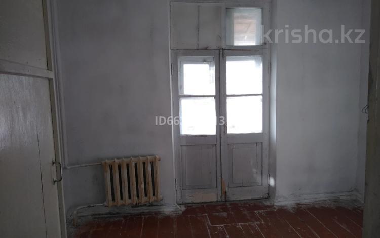 2-комнатная квартира, 47 м², 2/2 этаж, Досмухамбетова 12 за 7.5 млн 〒 в Атырау