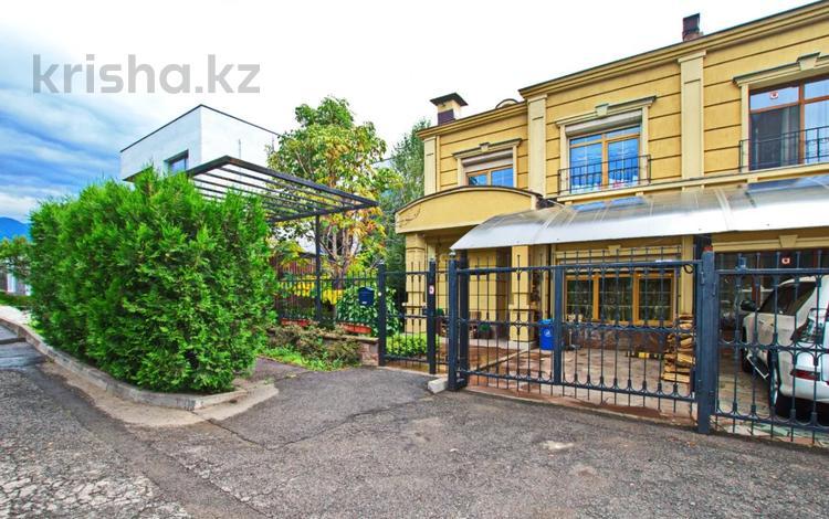 6-комнатная квартира, 400 м², 3/3 этаж помесячно, Мирас 159–171 за 1 млн 〒 в Алматы, Бостандыкский р-н