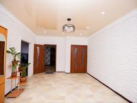4-комнатный дом, 200 м², 8 сот.