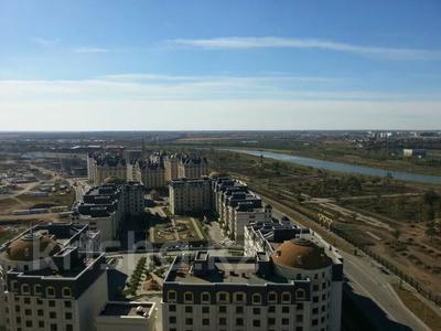 3-комнатная квартира, 134 м², 18/20 этаж, Калдаякова 1 — Нажимеденова за 35 млн 〒 в Нур-Султане (Астана), Есильский р-н — фото 8