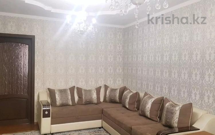 3-комнатная квартира, 70 м², 4/5 этаж посуточно, Желтоксан 3 — Бейбитшилик за 15 000 〒 в Шымкенте, Аль-Фарабийский р-н